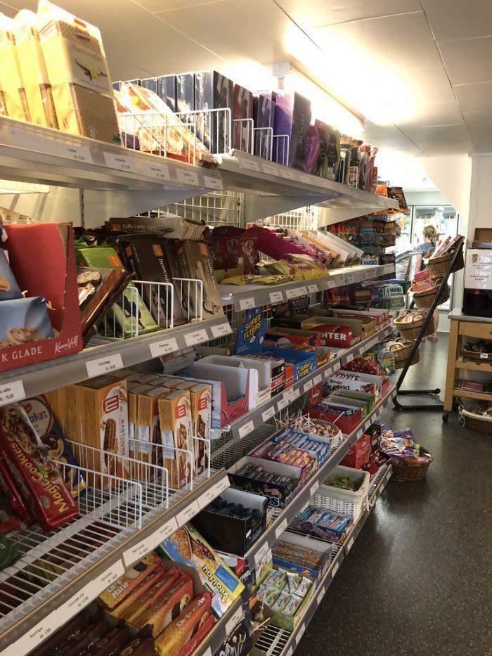 Lyøのスーパー