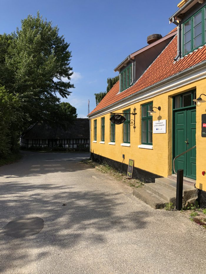 Lyøのカフェ