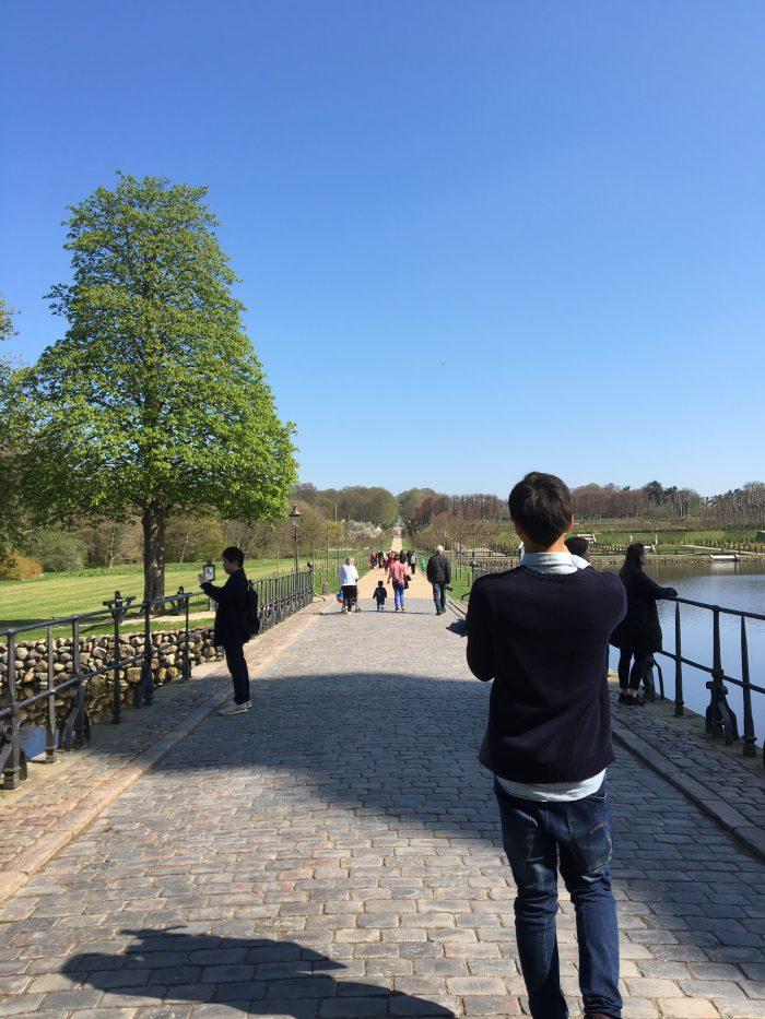 湖の周りを散歩できる(フレデリクスボー城)