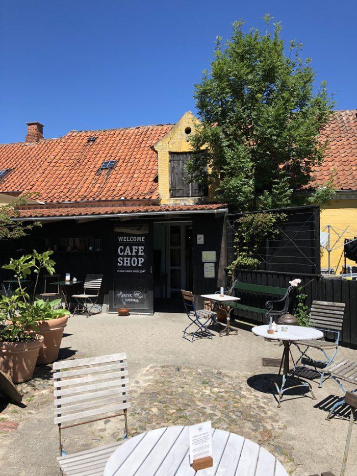 エーア島のカフェ