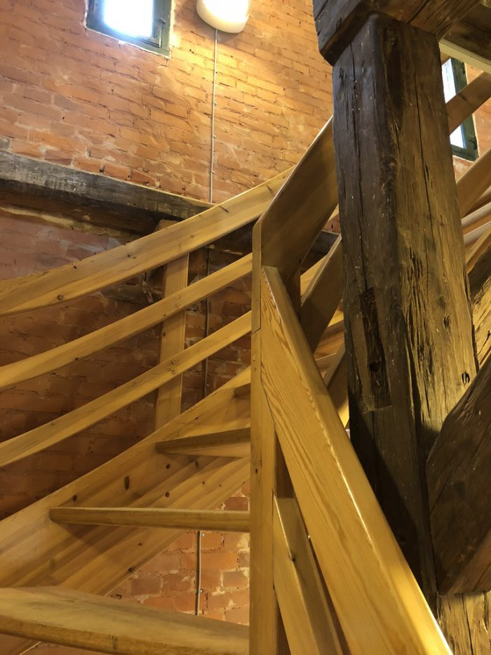 給水塔の階段