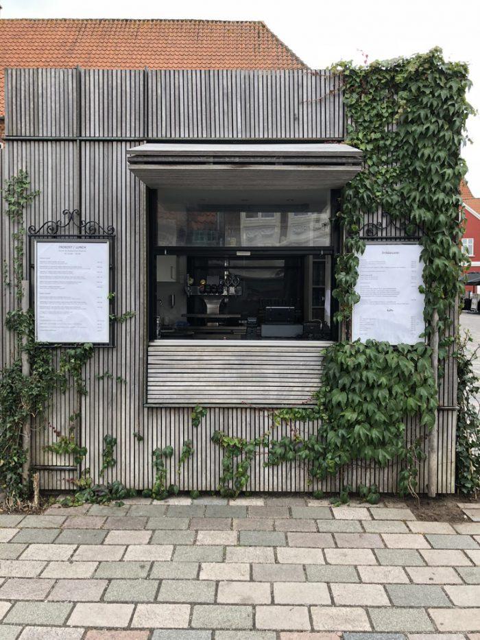 Hotel Dagmarのカフェ