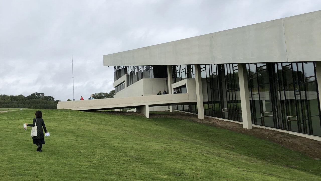モースゴー先史博物館を外から見る