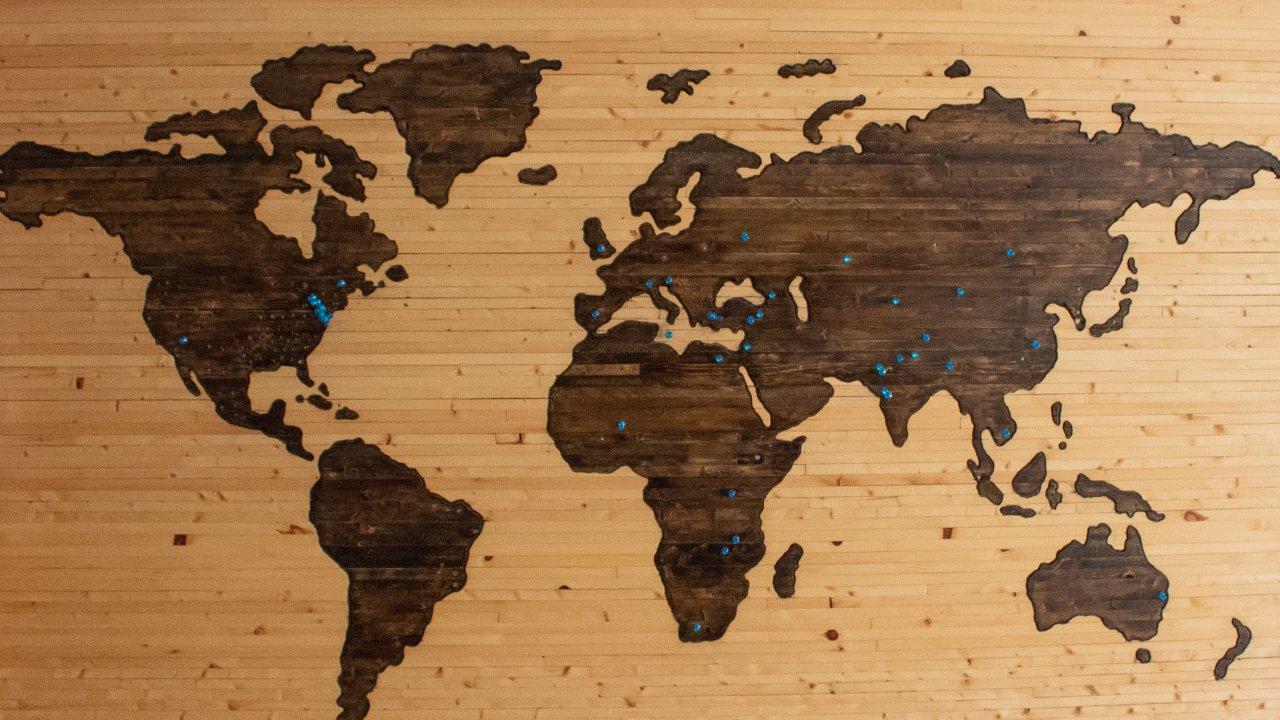 カルー・ホイスコーレは世界中から人が集まる