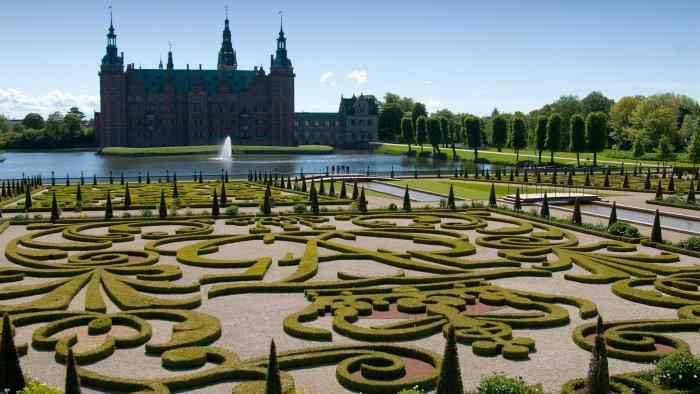 フレデリクスボー城のバロック様式の庭園
