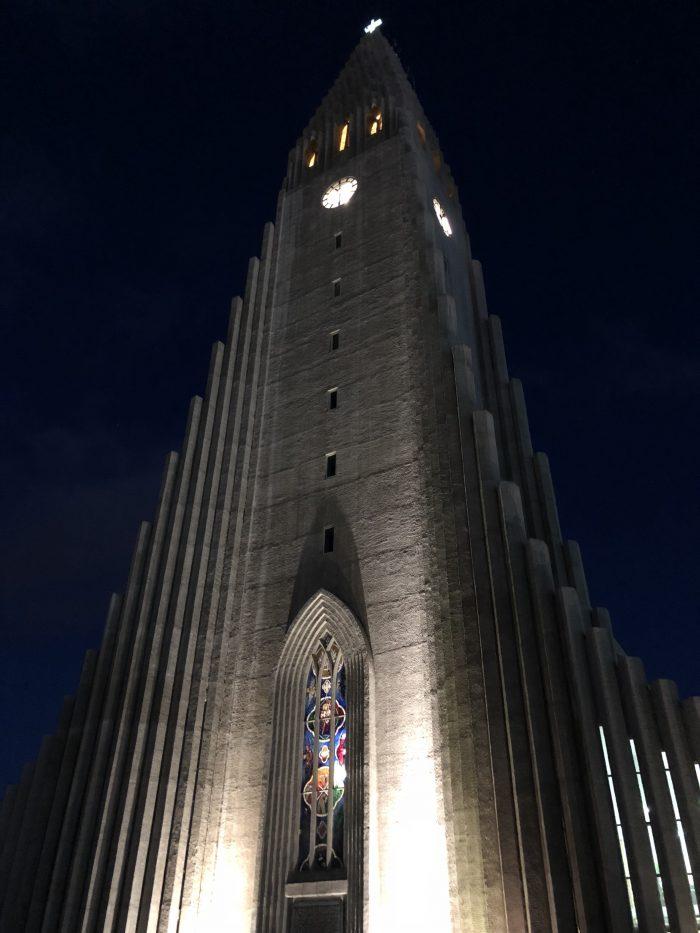 ライトアップされたハットルグリムス教会