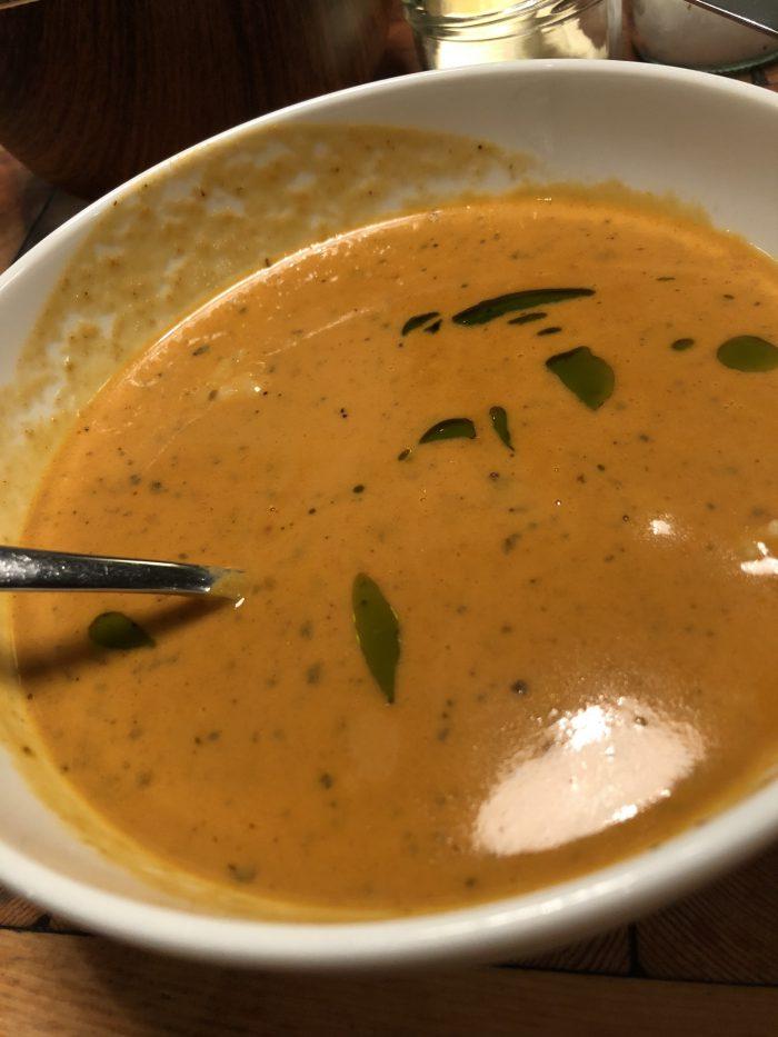 Ostabúðinの魚介スープ