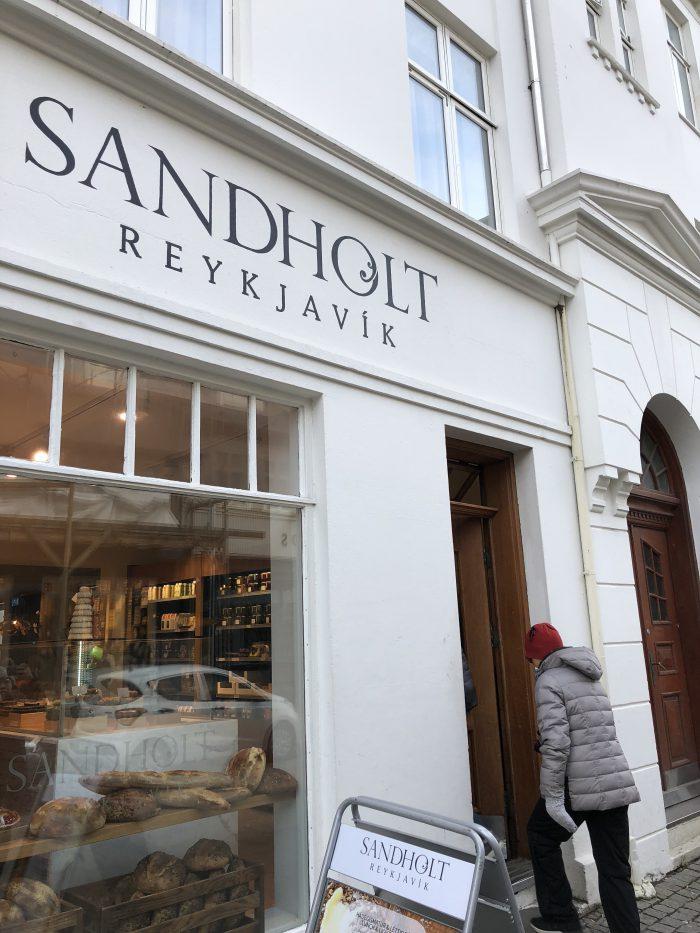 レイキャビクの老舗パン屋さんSandholt