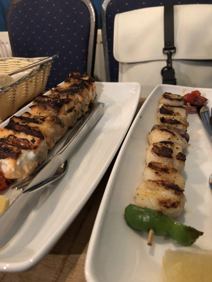 Sægreifinnの魚介串焼き
