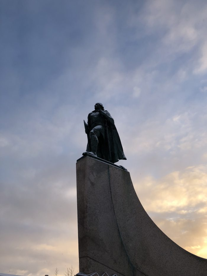 レイフ・エリクソン像