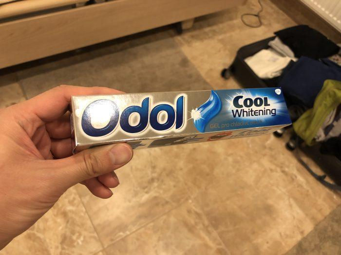 プラハのスーパーで買った歯磨き粉「Odol」