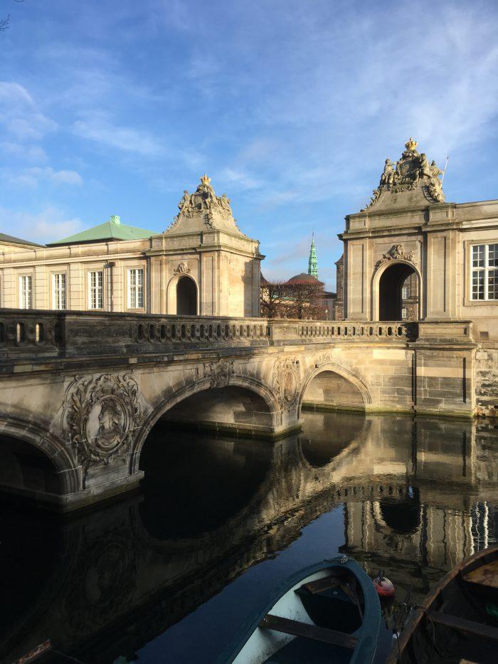 クリスチャンスボー城へ入るための橋