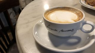 Cafe Hawelkaのカプチーノ