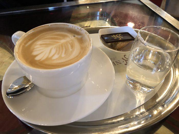 ニューヨークカフェのカプチーノ