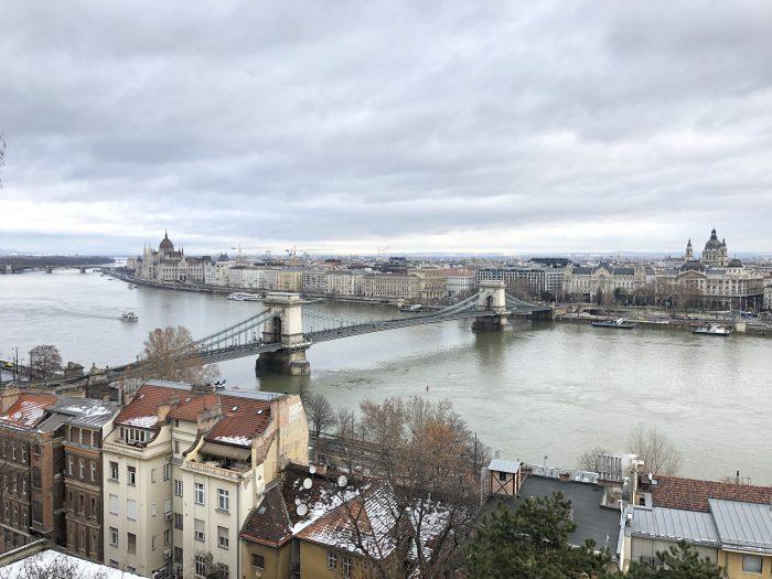 ブダペストの景色。橋が好き。