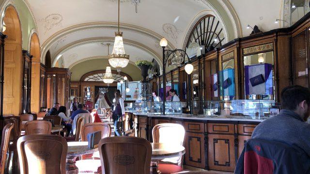 Cafe Gerbeaudの店内