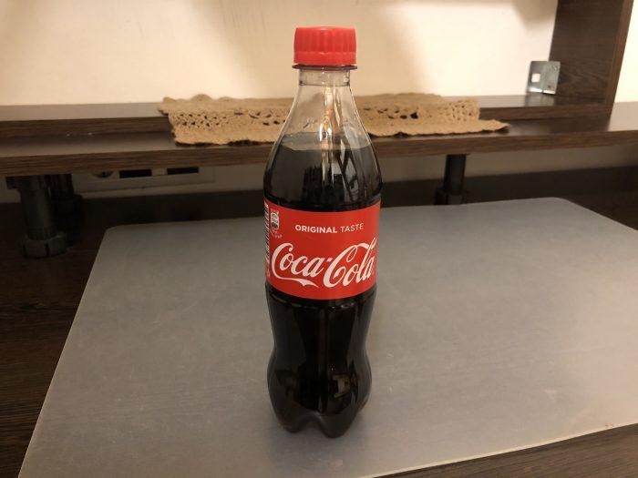 中毒性のあるコーラ。一体何が入っているんでしょうか。