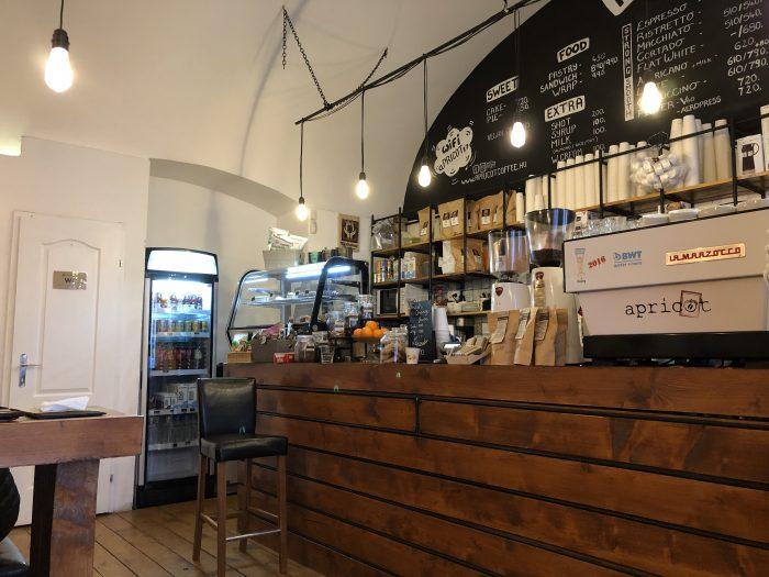 アットホームなカフェやったなぁ。Apricot Coffee。