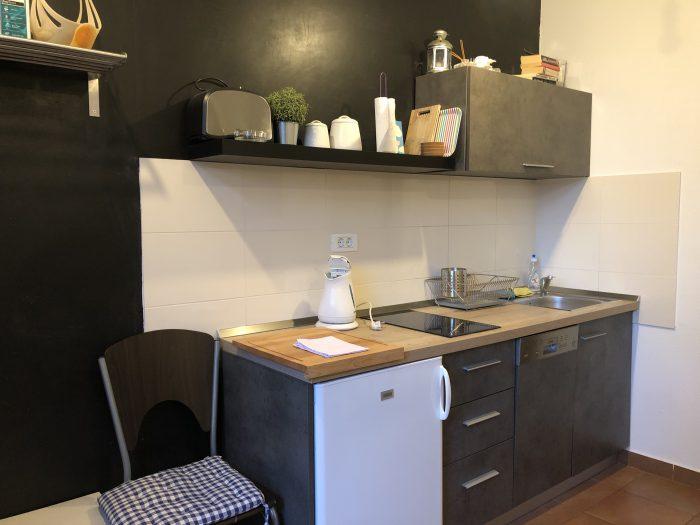 清潔感のあるシンプルでお洒落なキッチン