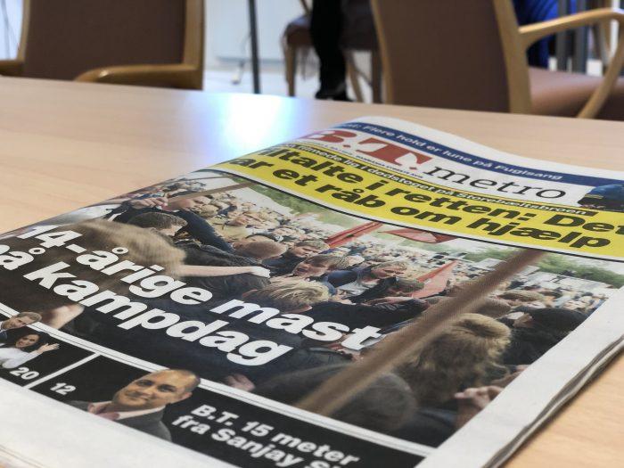 デンマークの新聞。この中から好きな記事を一つ選びます。