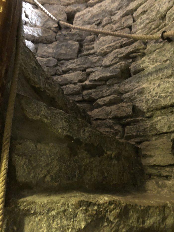 聖オレフ教会の展望台に行くにはこの階段を登らないとダメ