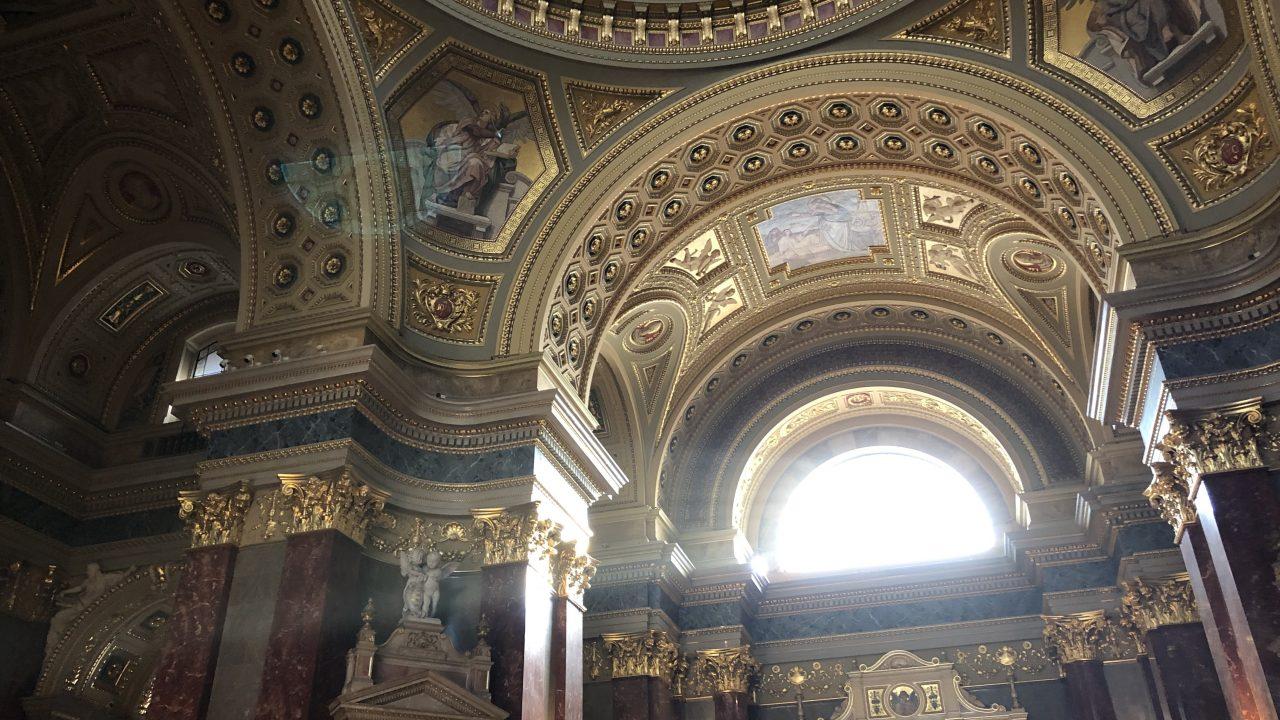 ブダペストで一番大きな教会、「聖イシュトバーン大聖堂」