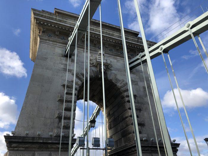 世界遺産の一部になっているセーチェーニ鎖橋