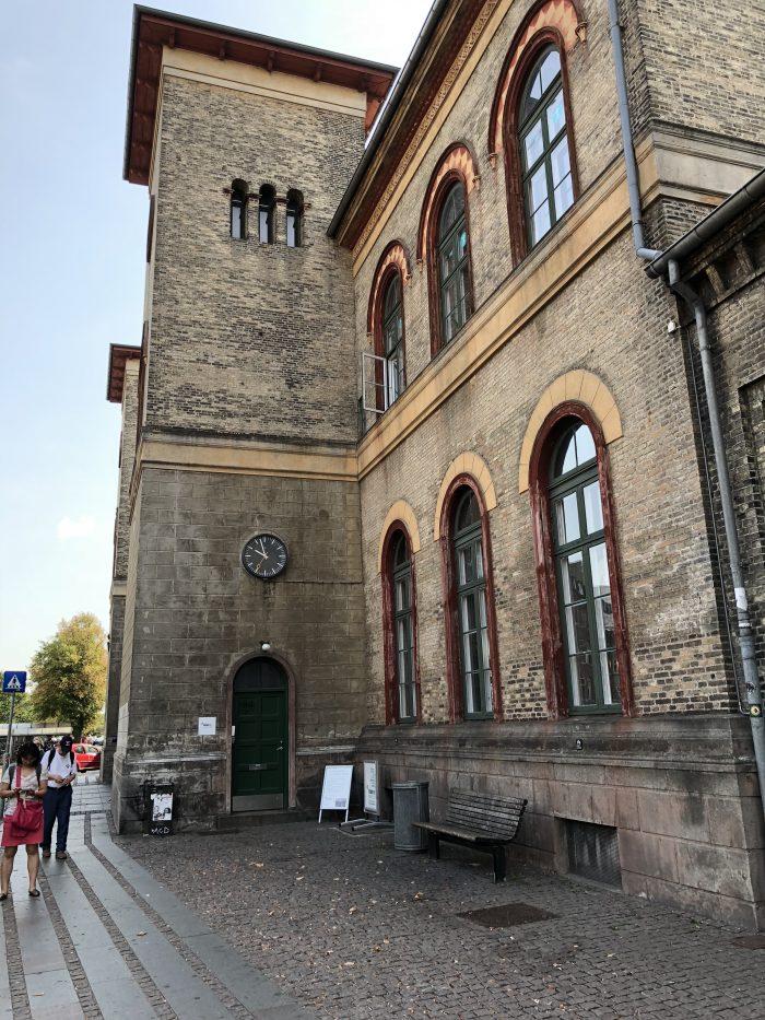 ロスキレ駅。コペンハーゲン中央駅から25分ほどです。