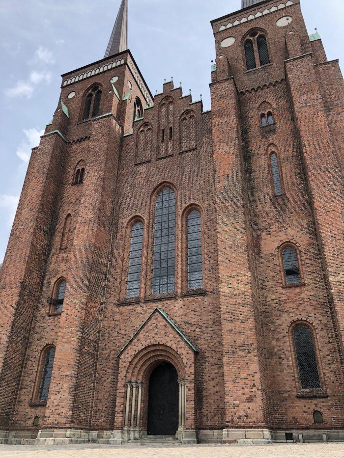 建設に100年も費やしたロスキレ大聖堂