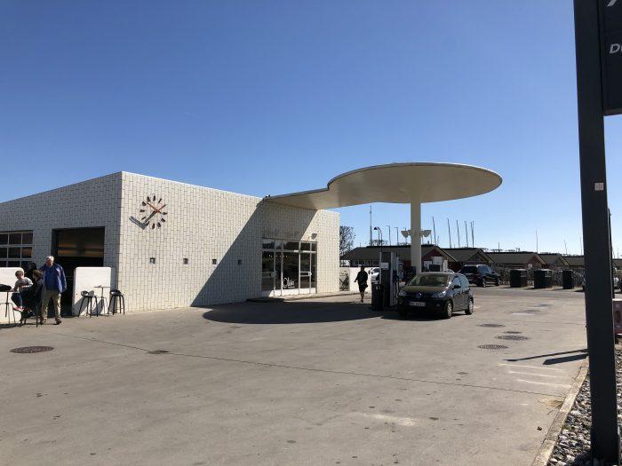 ヤコブセンがデザインしたガソリンスタンド「旧テキサコサービスステーション」