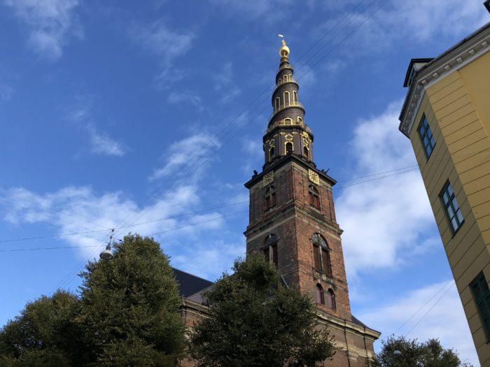 救世主教会にはネジネジの塔がある