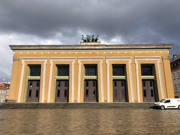 トーヴァルセン美術館とデンマークの曇り空